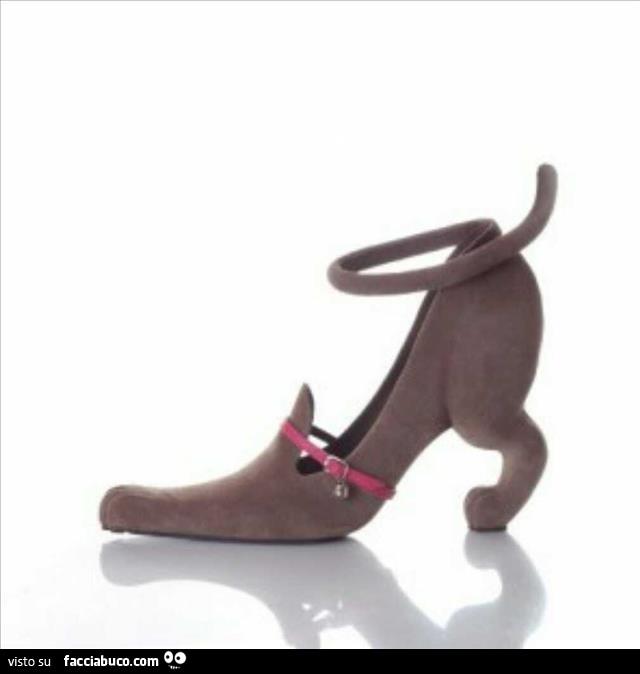 Scarpa col tacco a forma di cane - Facciabuco.com